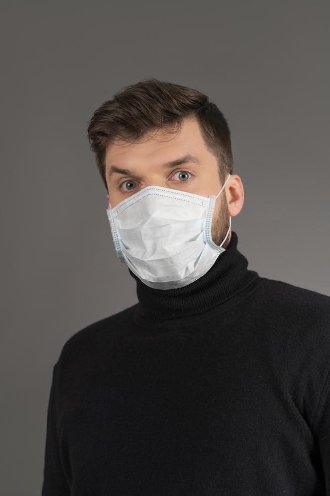 coronavirus photo man in mask
